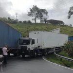 Camioneros nuevamente bloquean y dejan incomunicadas a Manizales y Pereira